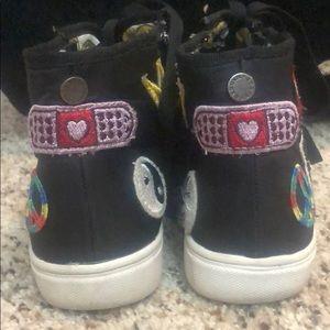 Steve Madden Shoes - STEVE MADDEN TPatchee Emoji Patch Mid Sneaker